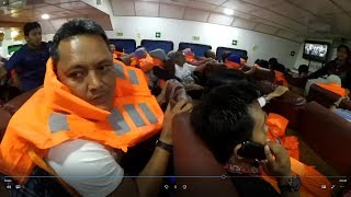 Video mengerikan, kapal ferry di hantam ombak besar MP3, 3GP, MP4, WEBM, AVI, FLV Januari 2019