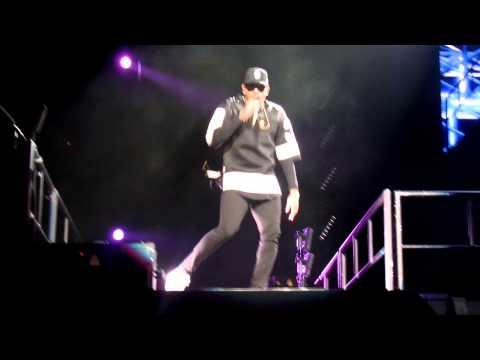 Chris Brown- Turn up the music live (видео)