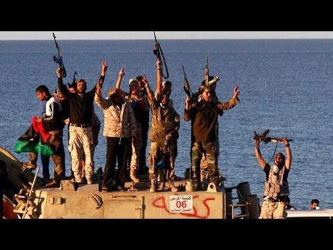 Οδοιπορικό του euronews στους προσφυγικούς καταυλισμούς της Λιβύης