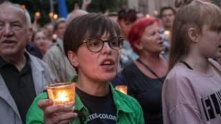 """"""" Ojczyzna"""" – to pieśń napisana dla tych, komu Polska jest wartością największą, jest świętością, której nikt nie ma prawa beszcześcić."""