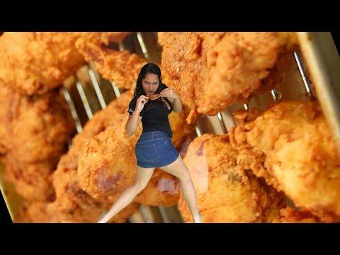 Video A Las Chicas de Verdad Nos Gusta el Pollo Frito (Oda al Pollo) download in MP3, 3GP, MP4, WEBM, AVI, FLV January 2017