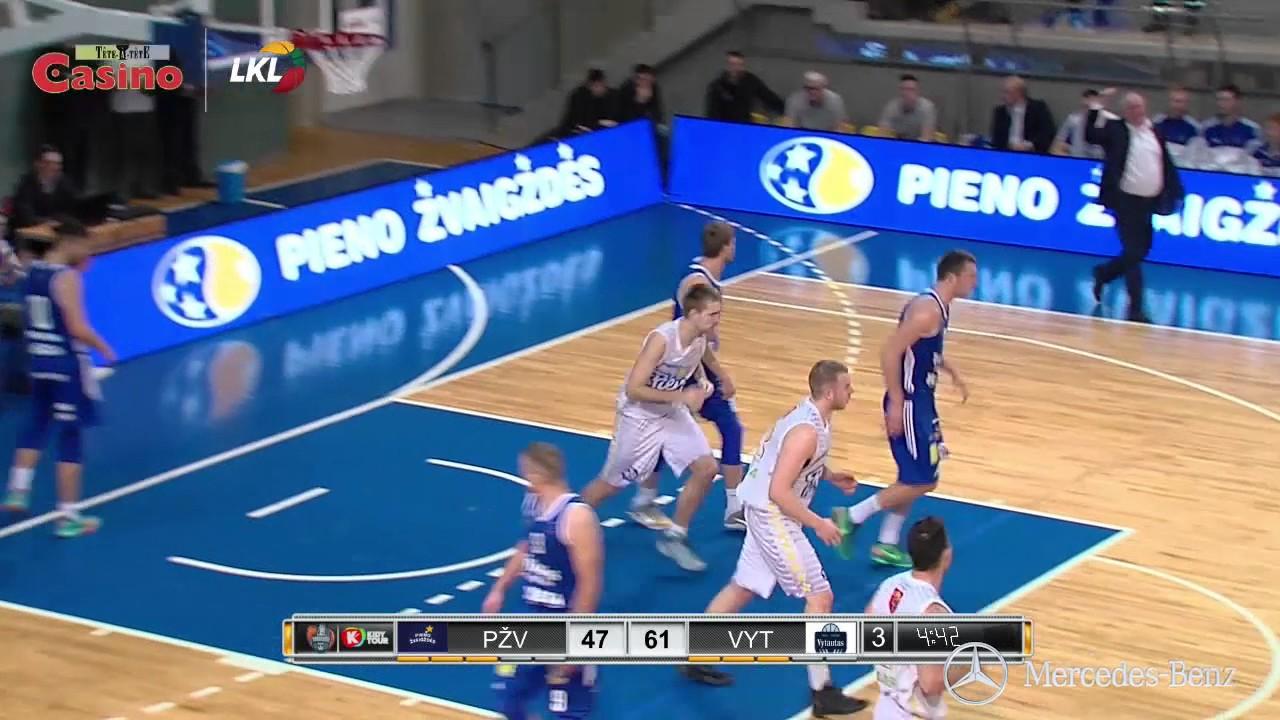 """Rungtynių momentas: Nikita Balašovas """"laužia"""" varžovų gynybą"""