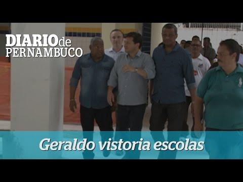Geraldo Julio vistoria sede nova de escola municipal