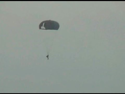 Dhoni's Jump From 10,000 Feet!