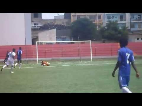 Paul Bella Ntonga  jeune footballeur en formation (видео)