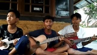 Video Iwan Fals-Buku Ini Aku Pinjam (cover by karang taruna 401) MP3, 3GP, MP4, WEBM, AVI, FLV Juli 2018