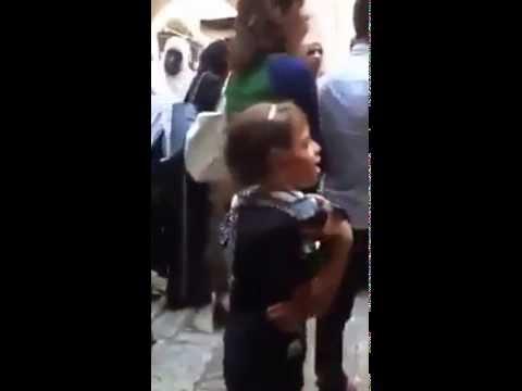 Video Filistinli küçük kızın, israil askerine haykırışı.. download in MP3, 3GP, MP4, WEBM, AVI, FLV January 2017