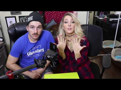 Mein Freund macht meine Nägel | My Boyfriend Does My Nails |Jenna Mourey (видео)