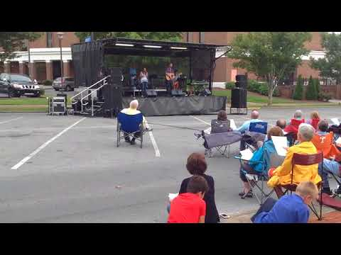 Video: Praise music at 'Faith of Our Fathers Worship Service'