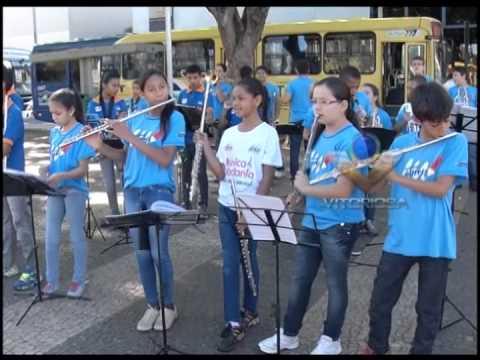 Campanha de mobilização contra o trabalho infantil é realizada na Praça Tubal Vilela