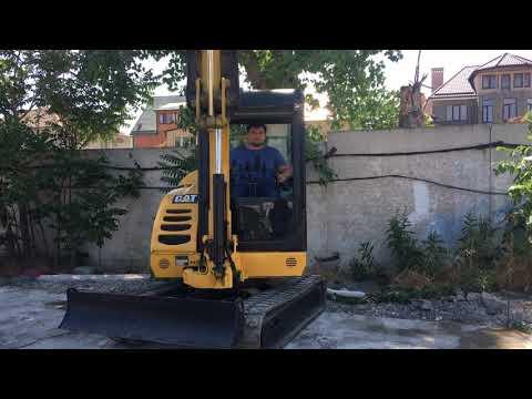 CATERPILLAR PELLES SUR CHAINES 302.5C equipment video 7yZxbaOi8VA