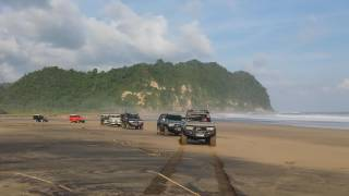 Video Jalan-jalan sama Bule Rusia & Toyota Landcruiser Indonesia MP3, 3GP, MP4, WEBM, AVI, FLV Juni 2019