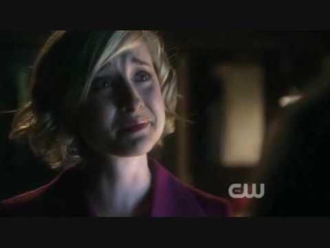 "Smallville - 9x01: ""Savior"" [Chlark barn scene]"