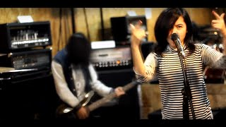 Video Justin Bieber - Love Yourself - Cover Pop Punk Rock By Jeje GuitarAddict feat. Tika Nistia MP3, 3GP, MP4, WEBM, AVI, FLV Maret 2018