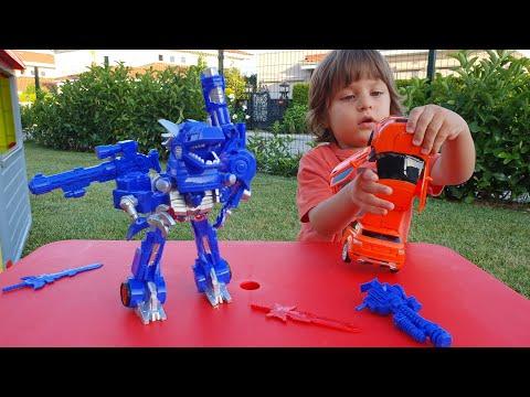 Fatih Selim'in yeni Transformers robotu ejderhaya arabaya veee robota dönüşüyor,oyuncak açıyoruz