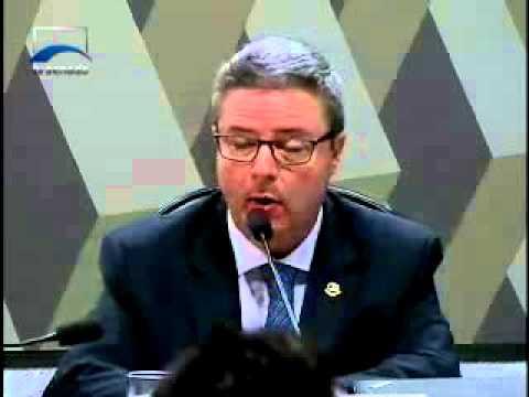 Comissão de Impeachment aprova, por 15 votos a 5, relatório do senador Antonio Anastasia (PSDB-MG)
