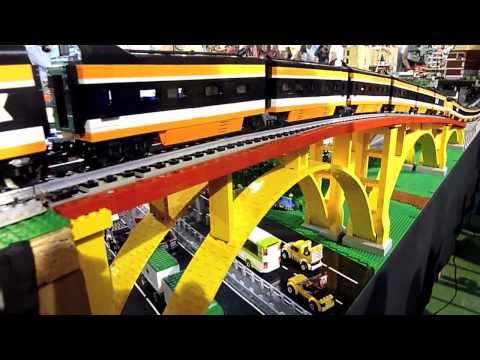 Lego train TGV 10233 - horizon express running - Diemoz 2013 - Briqu'Expo