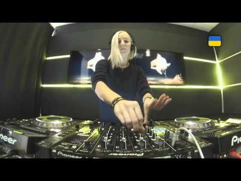 Live @ Radio Intense 23.01.2014 - Katya Tsaryova (видео)
