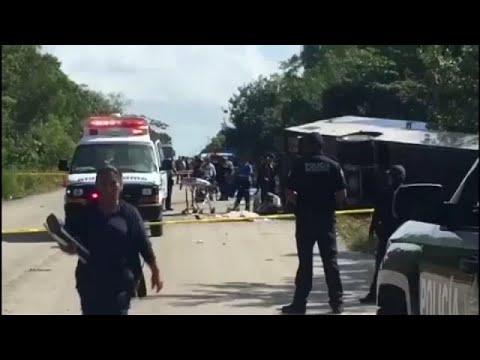 Ανατροπή τουριστικού λεωφορείου – 12 νεκροί
