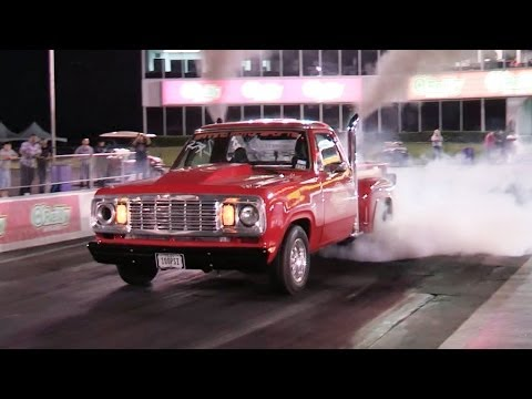 10-second diesel takes a trip down the strip