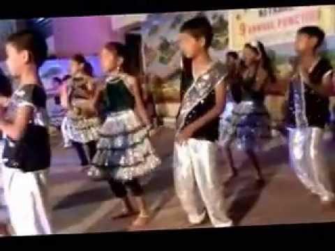 Video Aaj mai upar aasman neeche Song (Khaamoshi) download in MP3, 3GP, MP4, WEBM, AVI, FLV January 2017
