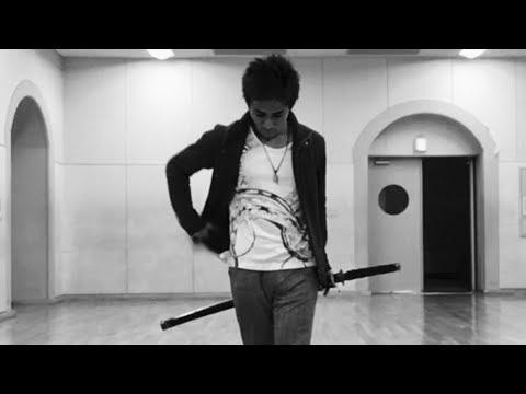 """かっこいい抜刀納刀 """"曲抜き""""まとめ (acrobatic unsheathed & sheathed samurai sword) видео"""