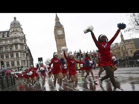 Εντυπωσιακή παρέλαση στο Λονδίνο για την έλευση του 2017