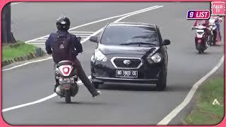 Video Bikin Emosi ! 9 Kelakuan Bodoh Pengendara Motor Di Indonesia MP3, 3GP, MP4, WEBM, AVI, FLV April 2019