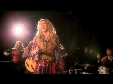 BLACKMORE'S NIGHT - The Moon Is Shining