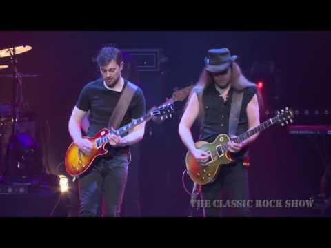 """Lynyrd Skynyrd """"Free Bird"""" performed by The Classic Rock Show"""