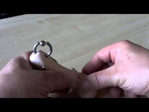 ampallang - Die Piercings sind: Prinz Albert, Ampallang und Hafada. Hier als 4 mm, 3,2 mm und 2 mm. Real sind es 10 mm PA und die Hafadas 4 + 5 mm.