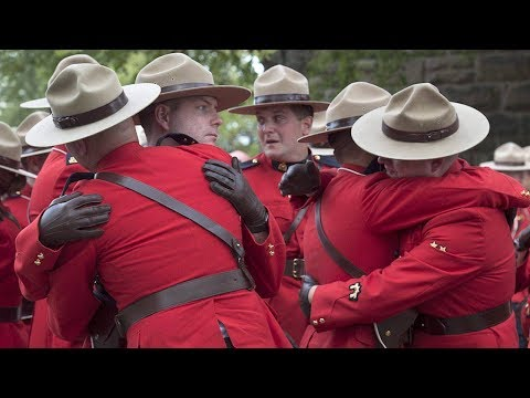 Hundreds of RCMP officers attend funeral of fallen Mountie (видео)