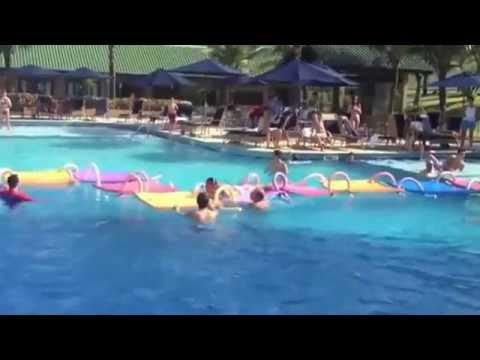 Galvão Bueno paga mico em piscina que cena bizara kkkkk 18/02/2013  !!!