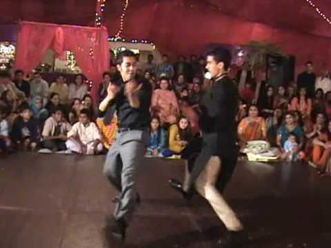 pakistan best dance - My cousin Sania's Mehndi in Pakistan and we had a medley of dances so i just edited some of them and put them in here - we did Sadi Gali and then Mast Qaland...