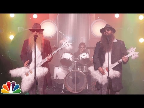 Jimmy Fallon Kevin Bacon and Chris Stapleton Perform as ZZ Top in a Funny First Draft of