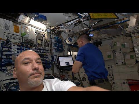 O ανταποκριτής αστροναύτης του euronews Λούκα Παρμιτάνο στο διάστημα…