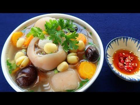 Comida vietnamita: sopa de linguiça de porco