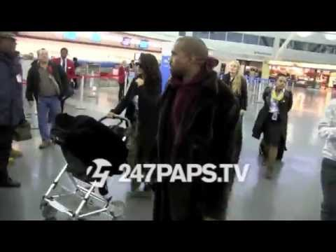 (New) Kim Kardashian with Kanye West and North West at JFK Airport in NYC (видео)