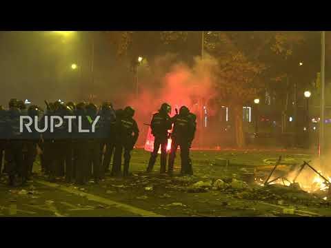 Video - Διαδηλώσεις χωρίς προηγούμενο στη Βαρκελώνη - Αυστηρές προειδοποιήσεις από τον υπουργό Εσωτερικών