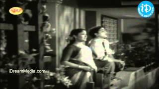 Mangalya Balam Movie Songs - Akasa Veedhilo Song - Nageshwar Rao - Savithri - SV Ranga Rao