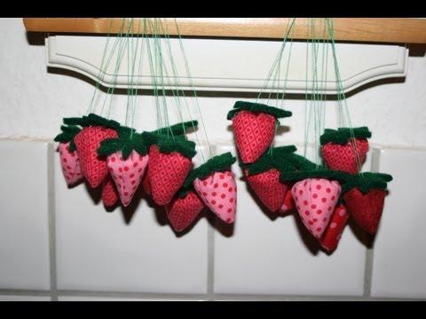 …. und hier noch eine einfachere Variante der Stofferdbeeren