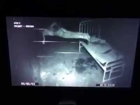 telecamera all'interno di un manicomio riprende qualcosa di terribile!