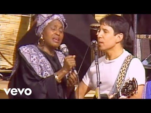 Tekst piosenki Paul Simon - Under African sun po polsku