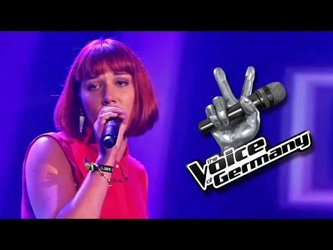 """ringling - Rotkäppchen Katrin liebt es auf der Bühne zu stehen. Mit dem Song That´s Not My Name"""" will sie überzeugen. Ein eher ungewöhnlicher Song für eine Blind Auditi..."""