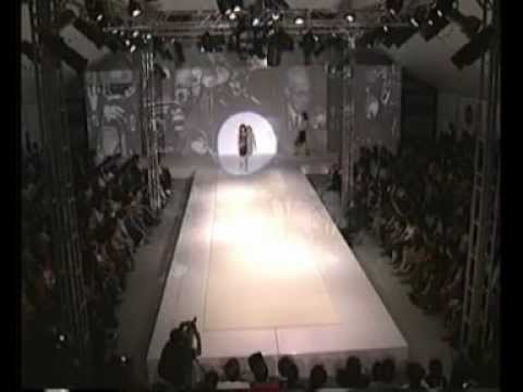 ELLE fashion week - Greyhound 2002_1