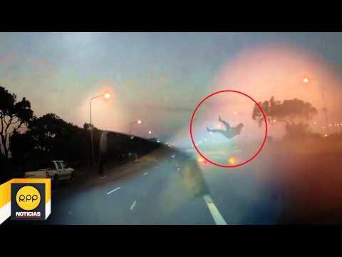 Hombre vuela por los aires tras chocar su auto convertible │RPP