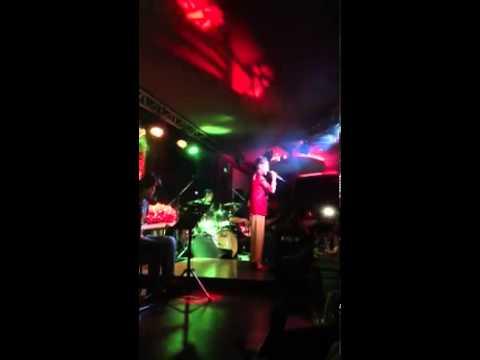 Áo Mới Cà Mau - Phương Mỹ Chi hát tại Phòng Trà We 8.9.2013 cực hay luôn