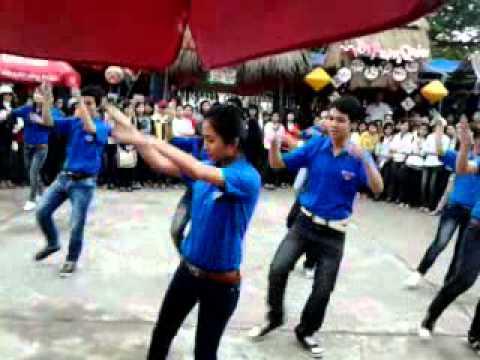 nhảy dân vũ ĐH Quy Nhơn 0001