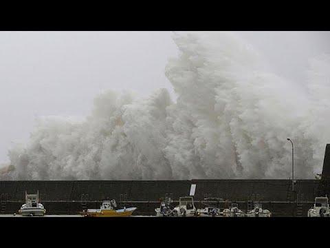 Στην Οσάκα ο τυφώνας Νόρου
