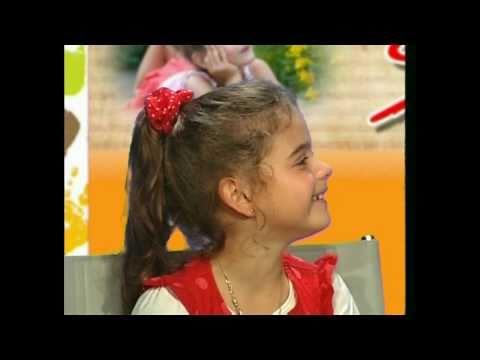 Das erste Fernsehinterview gab Sissi im Alter von 6 Jahren am 20. August 2010. Sie stellt ihr Lied